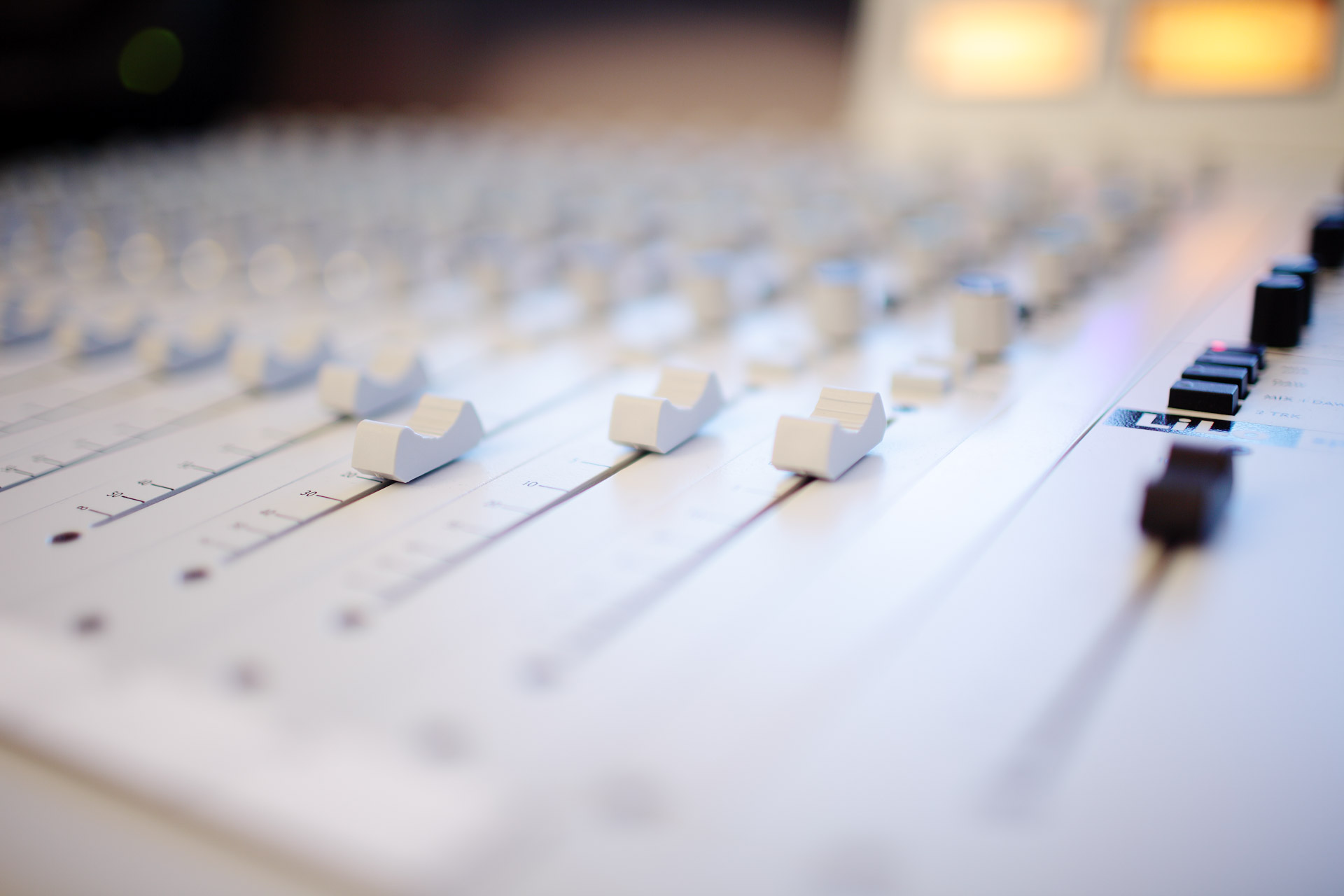 Best Software For Mixing And Mastering Music